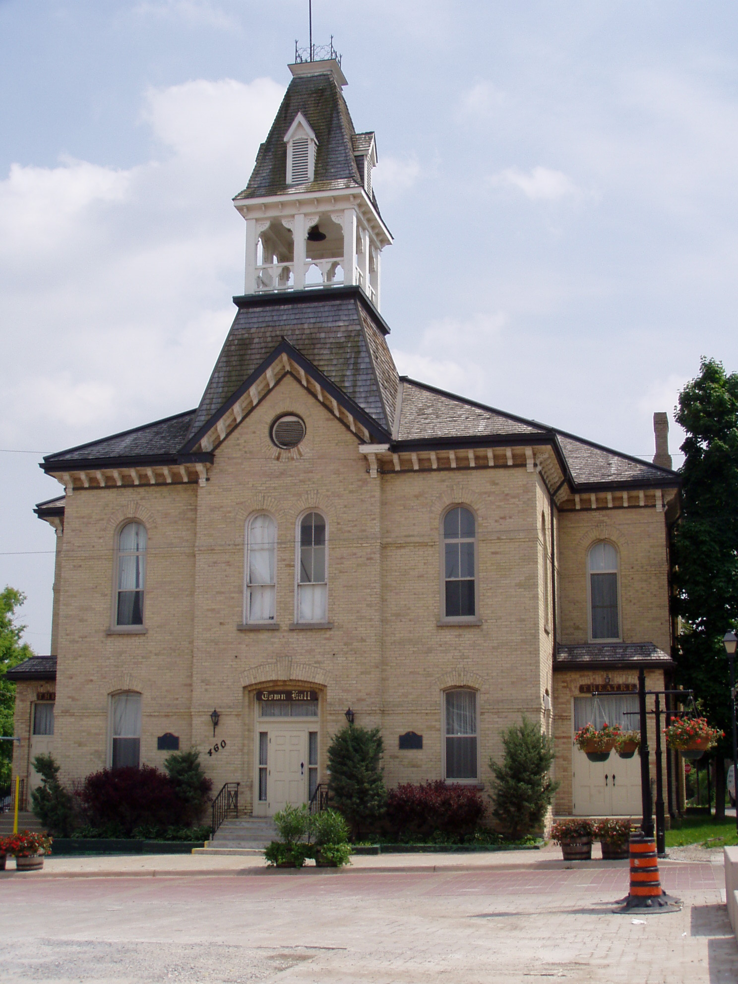 Newmarket_Old_City_Hall